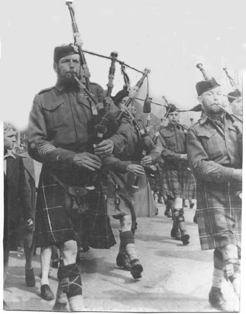 THE SEAFORTH HIGHLANDERS OF CANADA