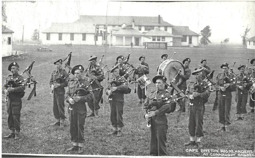 C.B.H. pipe band at ConnaughtRanges - June1941